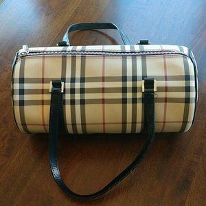 Authentic Burberry Papillon Barrel Nova Handbag